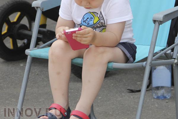 Дети до 10 лет отдают предпочтение мобильным играм